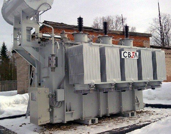 трансформатор на снегу