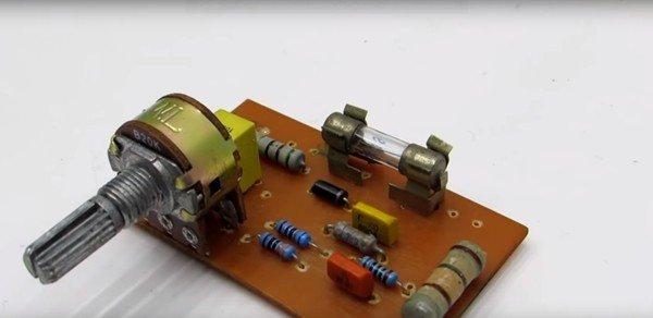 Бестрансформаторное зарядное устройство