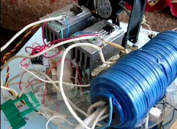 Безтоплевный генератор Капанадзе синий
