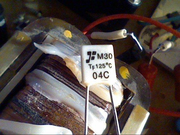 Термопредохранитель на трансформаторе