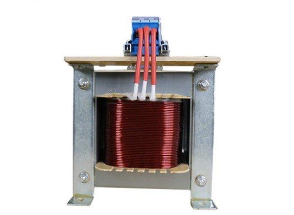 Изолирующий трансформатор с обмоткой