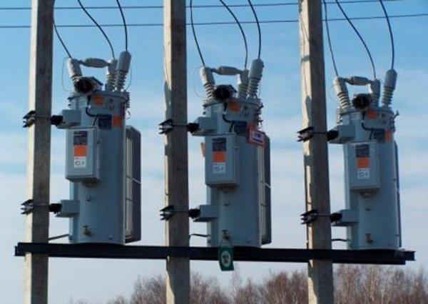 Трансформаторы на столбах