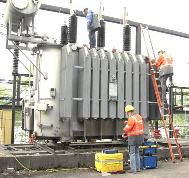 процесс испытания трансформатора