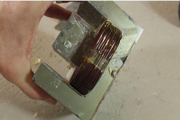 Ш-образная пластина трансформатора